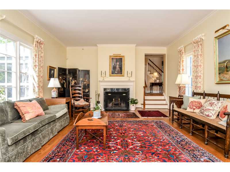 Over sized living room with high ceilings.  I am thinking about all that new Mary Macdonald fabric and trim in this room.  Gorge!