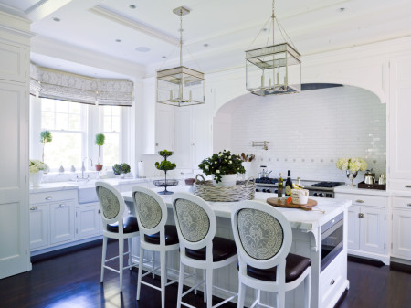 A beautiful kitchen from Lee Ann Thornton.  The WOW factor is huge, and would translate here seamlessly.