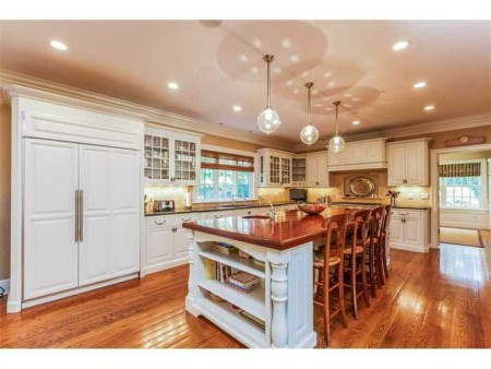 This is the BIG FAMILY KITCHEN you are leaving the City for!