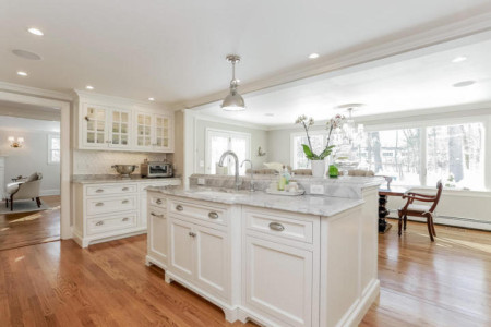 Brand new kitchen with exceptionally think counter tops (love that). It is a very pretty yet chic kitchen.